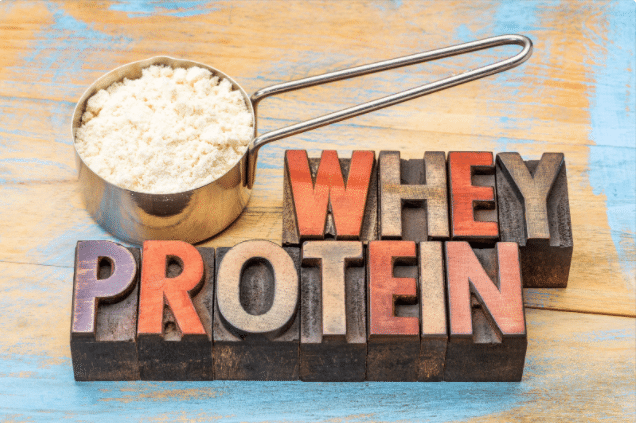 Whey protein vs. BCAAs – how and why should you use these supplements?